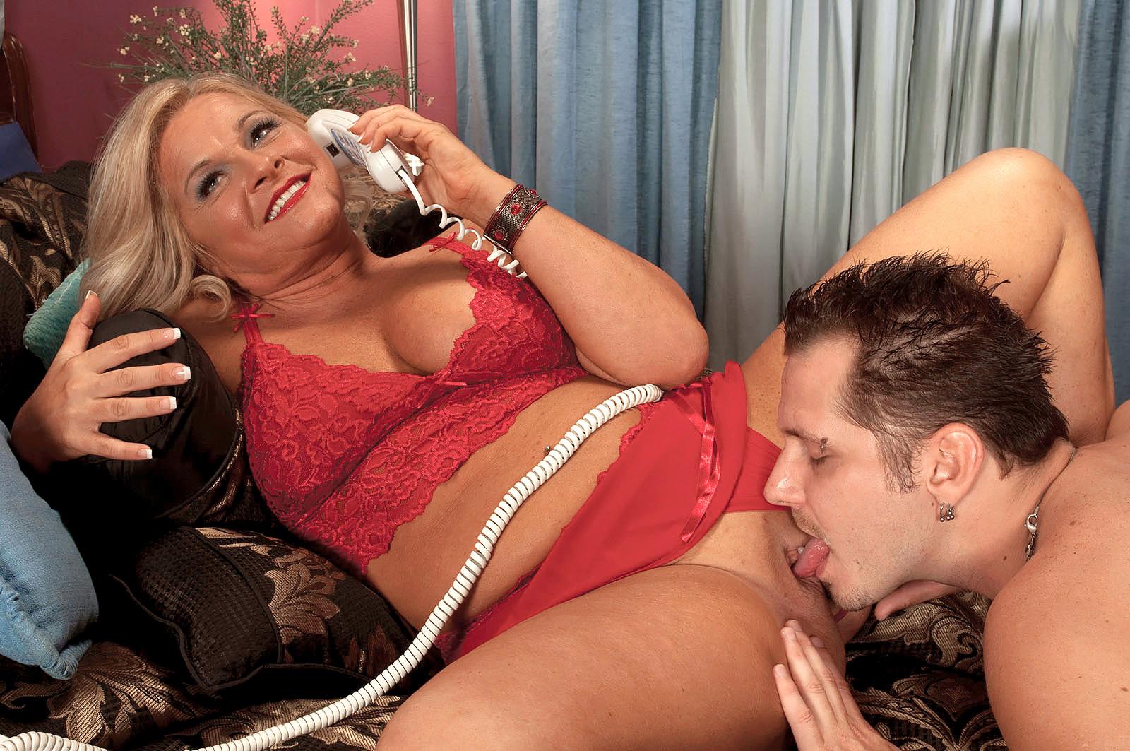 seks-po-telefonu-v-moskve