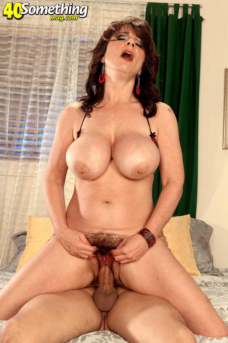 Голые грудастые зрелые женщины порно фото98