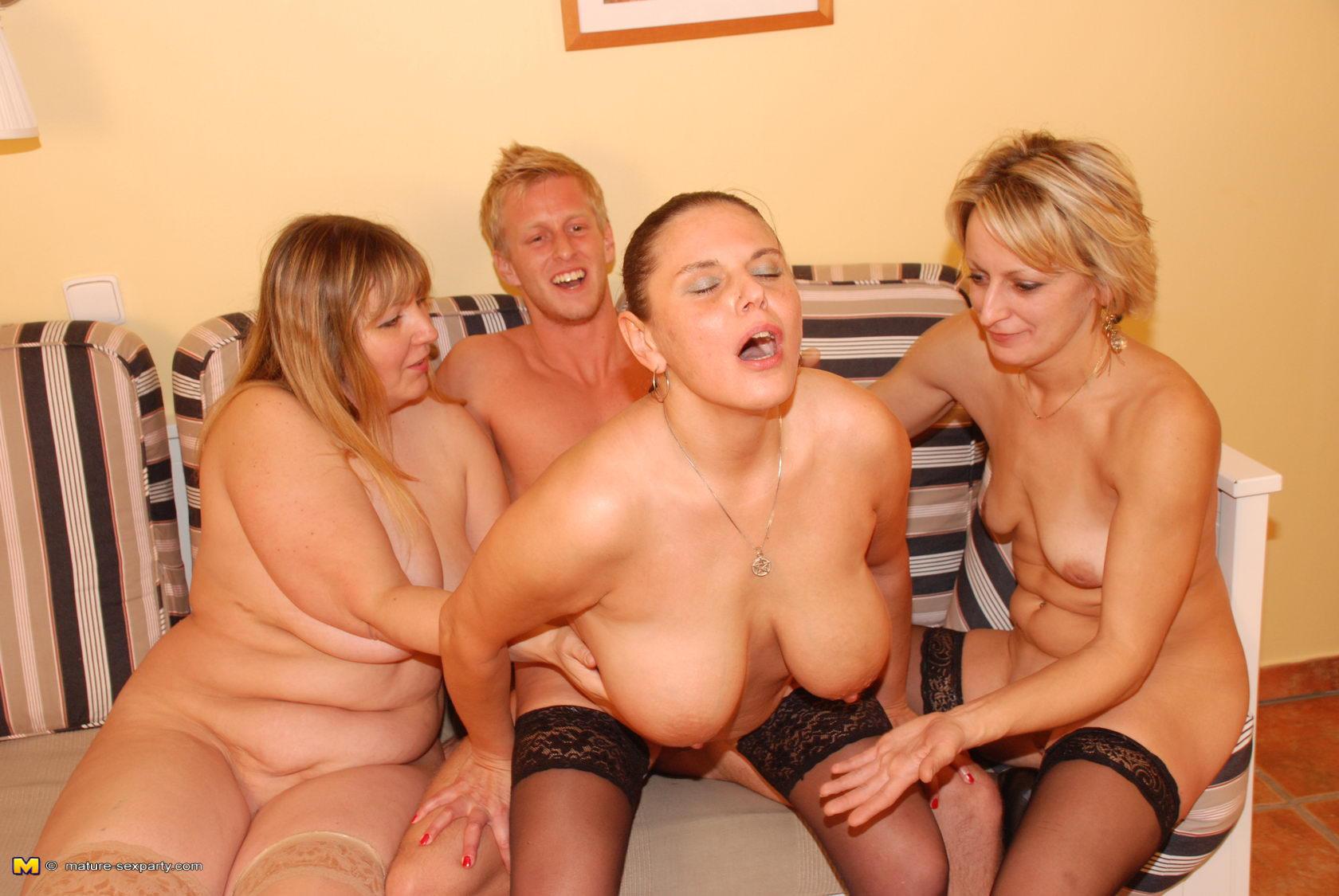 Русские порно вечеринка с зрелыми