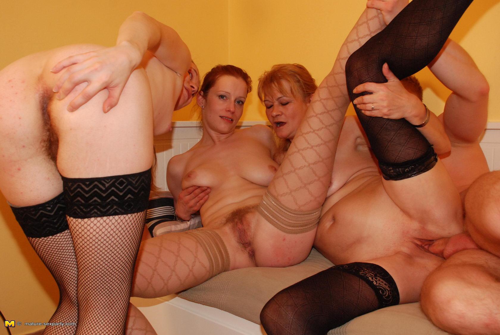смотреть в онлайне порно со зрелыми женщинами член