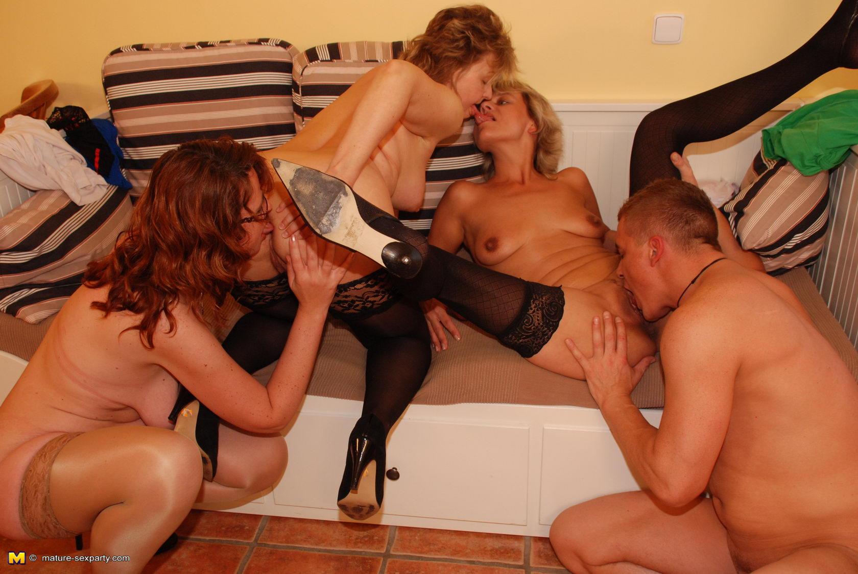 porno-gruppovoy-seks-pozhilih