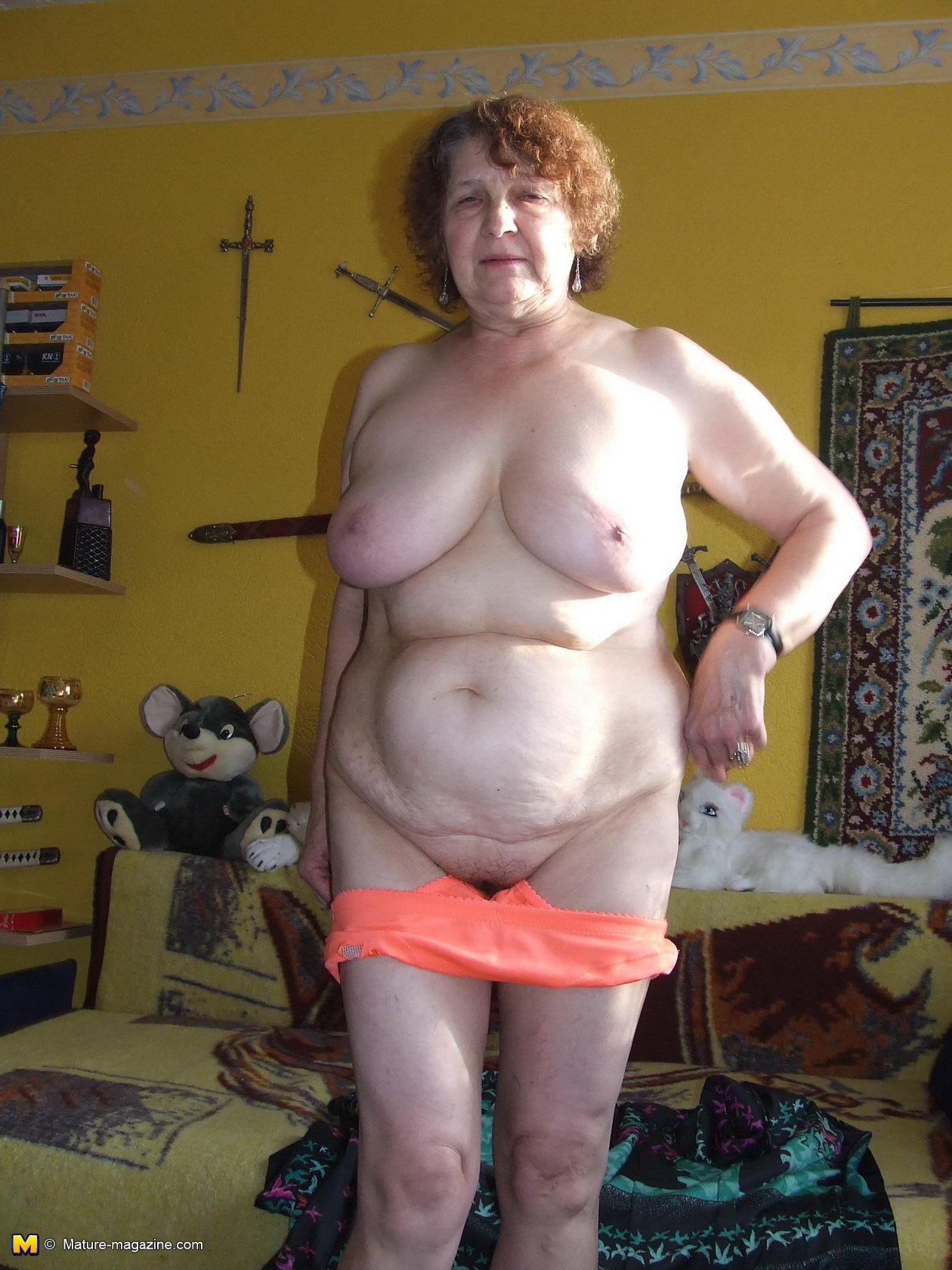 блестящая иллюзия секса секретарши домработницы онлайн сайт интересующую